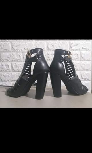 9b0b8800009 black shoes   Bags & Wallets   Carousell Philippines