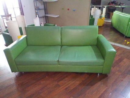 JUAL CEPAT! Sofa 2 Seater Istimewa (200x85 cm) ex.Showroom