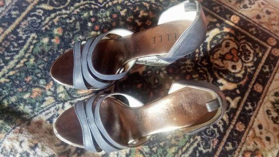 High-heels by Elle