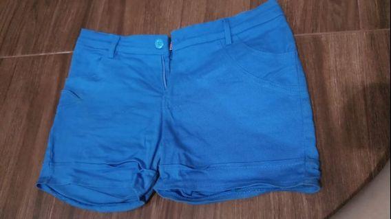 Hot pants biru