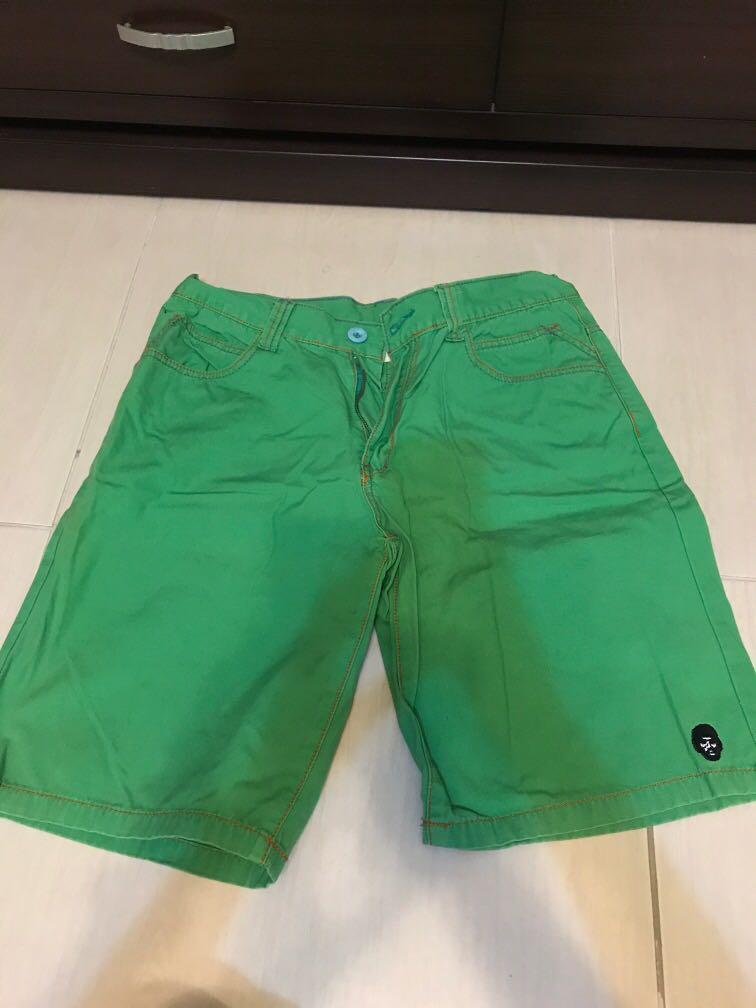 代售 黑人頭綠色短褲