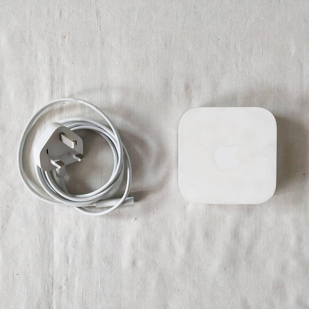 Apple airport express 2nd generation
