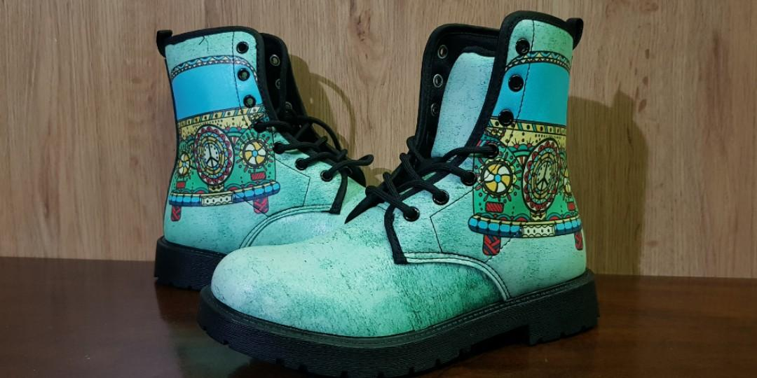 Hippie Bus Leather Boots