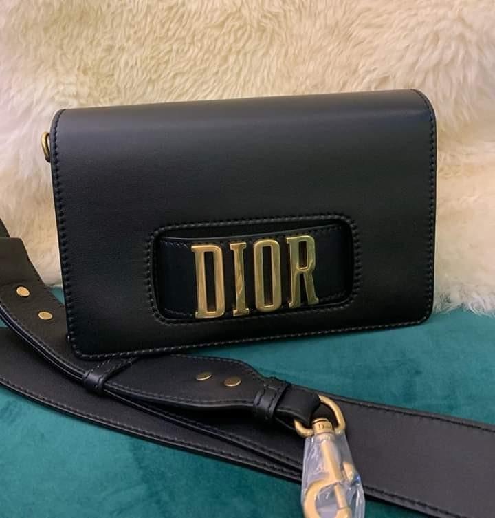 New nbu never been used Dior medium big strap 2018 full set receipt no box , super cheap deal!!