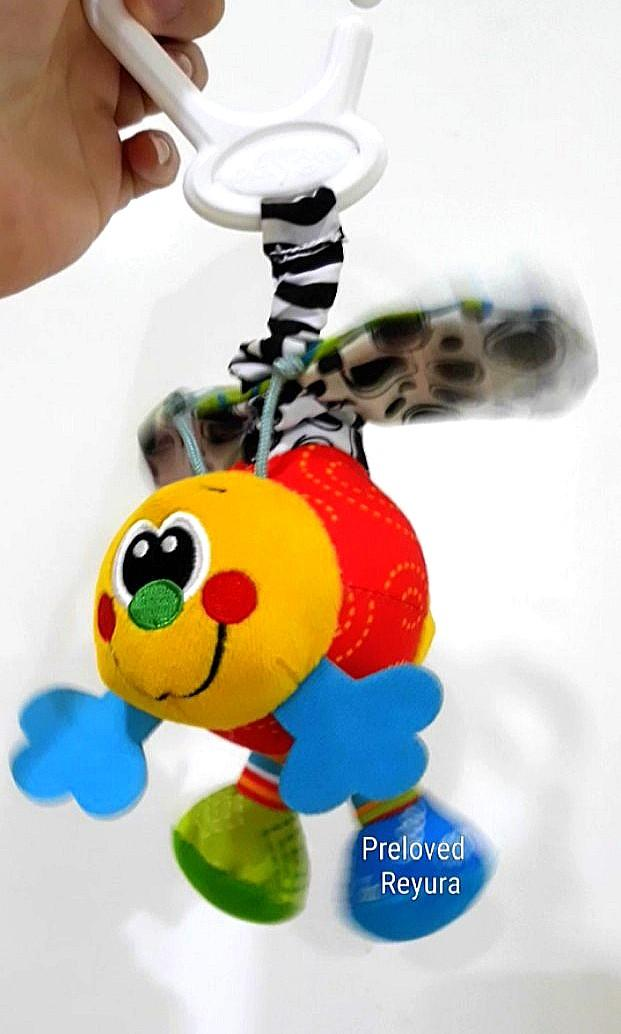 Playgro stroller toys groovy mover bee