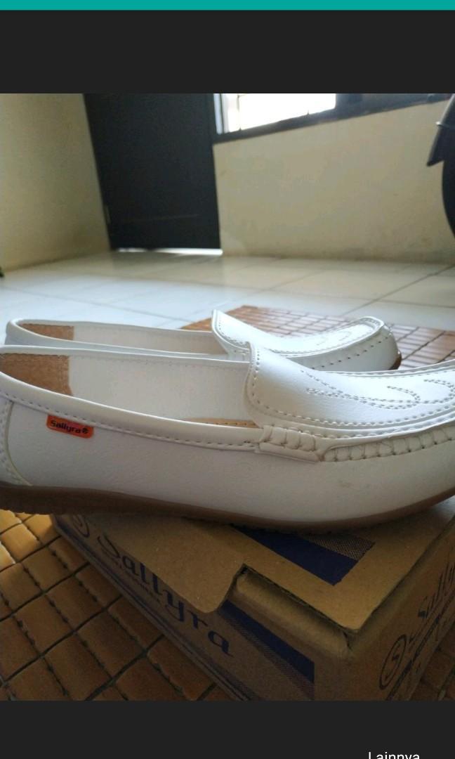 Sepatu Perawat/Sepatu Suster