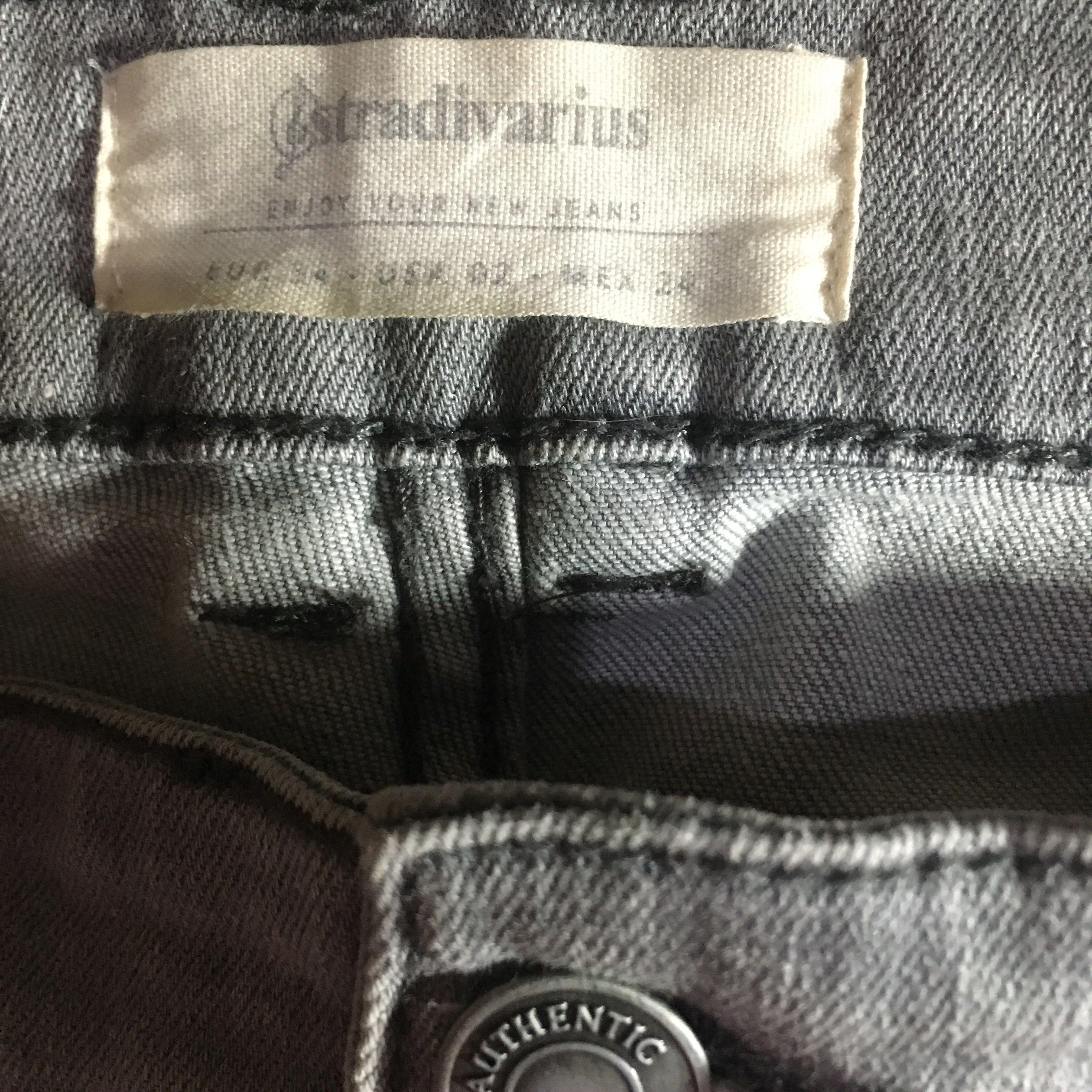 STRADIVARIUS Grey Ripped Jeans
