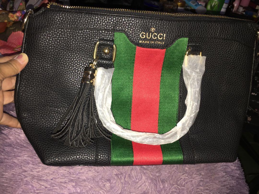 Tass Gucci with Dompet nya. Ada tali panjang juga. Freongkir jabodetabek