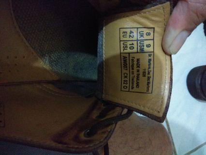 Sepatu boots bekas dr.martens original