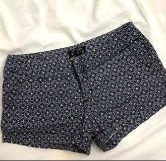 Preloved - Cotton On Floral Shortpants