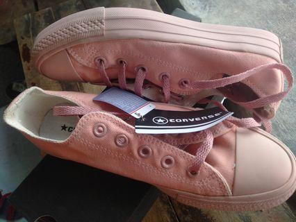 Sepatu converse warna peach pink