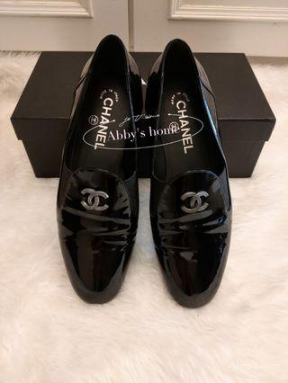 可刷卡可分期**9.3新 Chanel 香奈兒 黑色 真皮 樂福鞋 38.5號 現貨