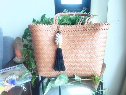 Shoulder handwoven bag