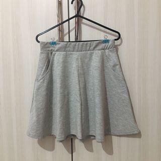 Cotton On Flate Skirt Light Grey