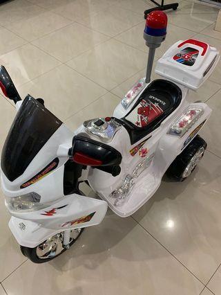 Police motorbike still new !!!