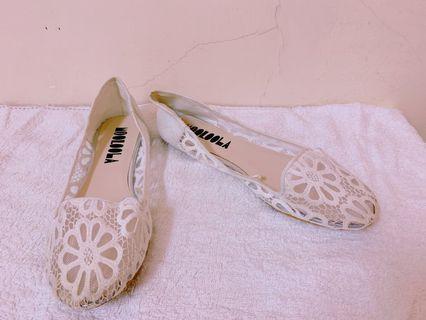 全新-白色平底鞋