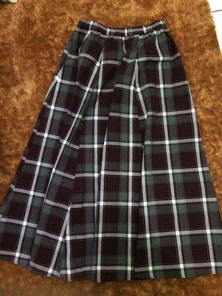 Hattaco skirt / tartan skirt / rok