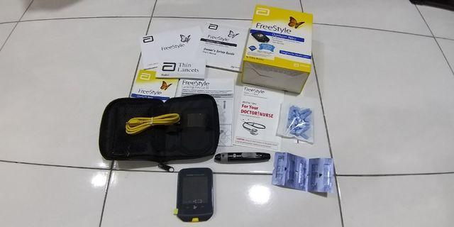 Abbott FreeStyle Optium Neo blood Glucose & Ketone Monitoring System