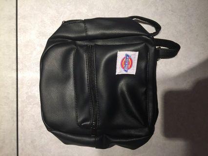 Dickies女生後背小包包mini 雜誌附錄 便宜售