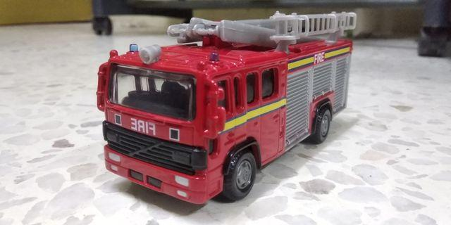 Hamleys Fire Engine Diecast 1:43