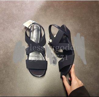 Sepatu Sebdal