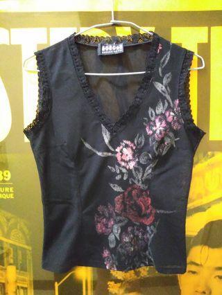 法國 MORGAN  深V 蕾絲 彩繪 腰身 彈性短版上衣