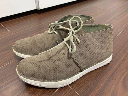 休閒鞋10~11號鞋長28~29cm