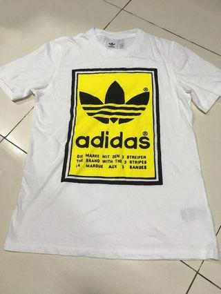 adidas Filled label tee