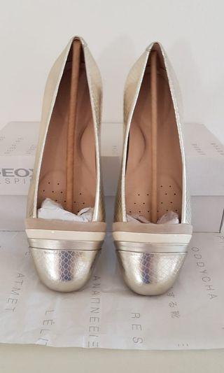 GEOX flat shoes size 37 NEW!