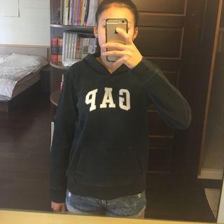Gap黑色帽T
