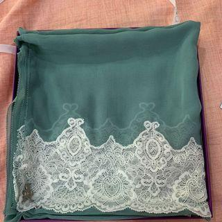 The Chiffon Lace dUCk scarf in Green