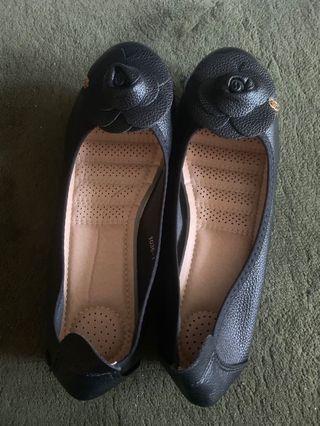 Black flat shoes chanel (not original)