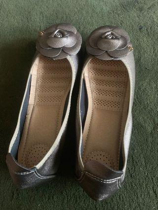 Silver flat shoes