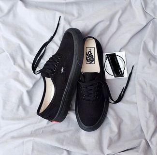 Vans authentic classic all black