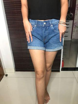 Blue Jeans short / Celana Pendek / Hotpants