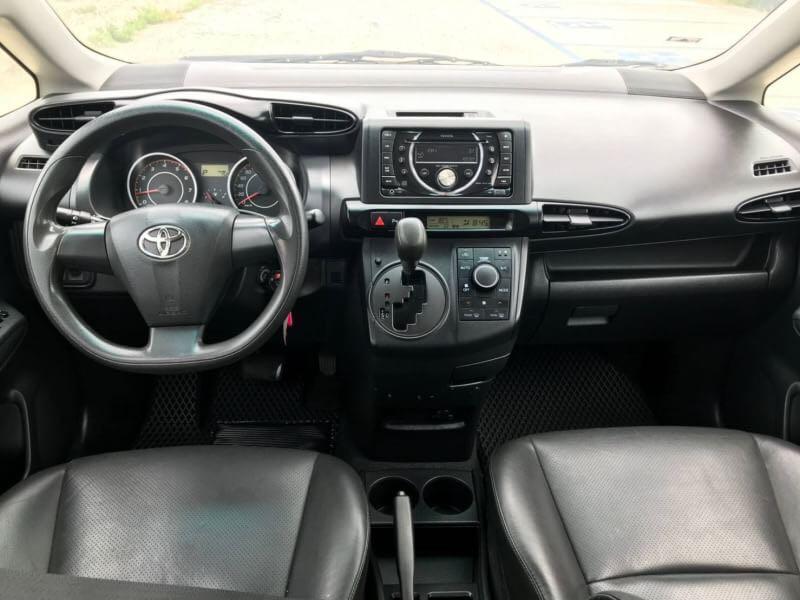 2012年  Toyota Wish 找錢專車
