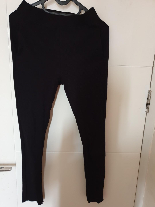 Celana Legging Rib Merk Uniqlo Fesyen Wanita Pakaian Wanita Bawahan Di Carousell