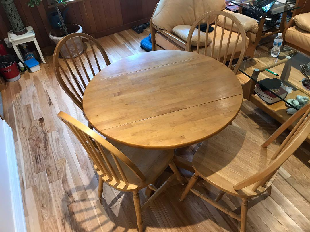 Dining set with 5 chairs (seats 4) - good condition