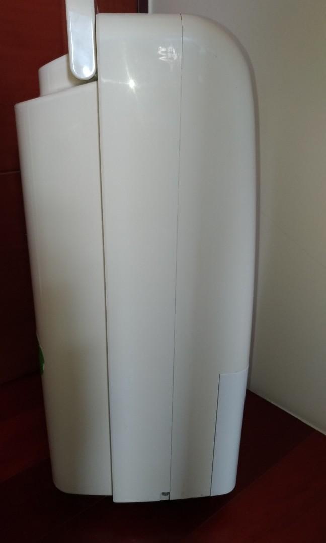 【自有物品]HITACHI RD-200J日立除濕機 ◎負離子空氣清淨裝置 ◎快速乾衣鍵