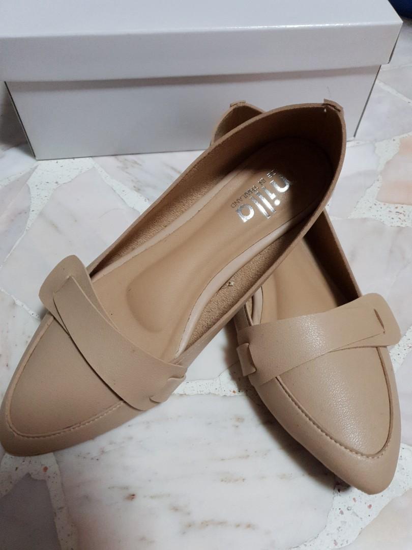 Nude Flats, Women's Fashion, Shoes