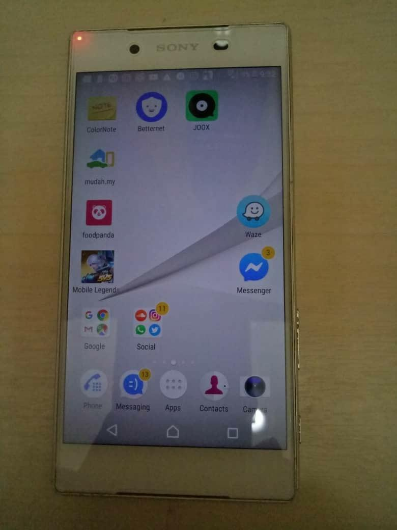 best loved a0e54 ad087 Sony Xperia Z5 waterproof on Carousell