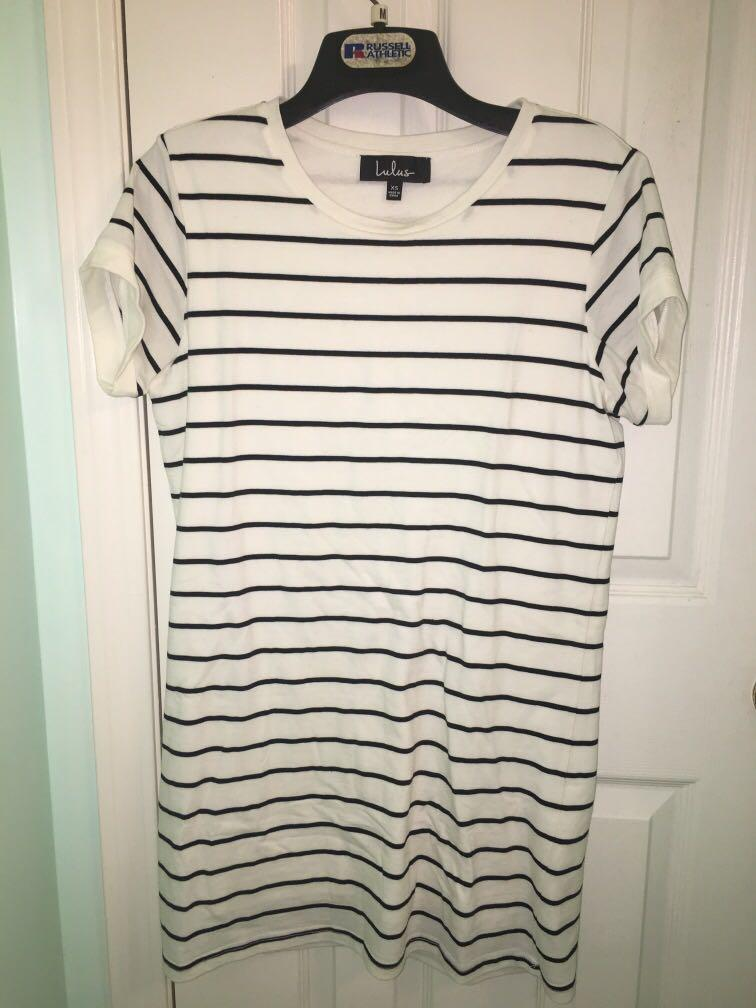 White Striped T Shirt Dress from Lulus - only worn once (XS)
