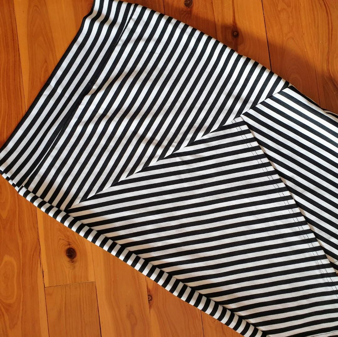 Women's size 10 'BIRD KEEPERS' Gorgeous assymetrical b&w striped midi skirt - AS NEW