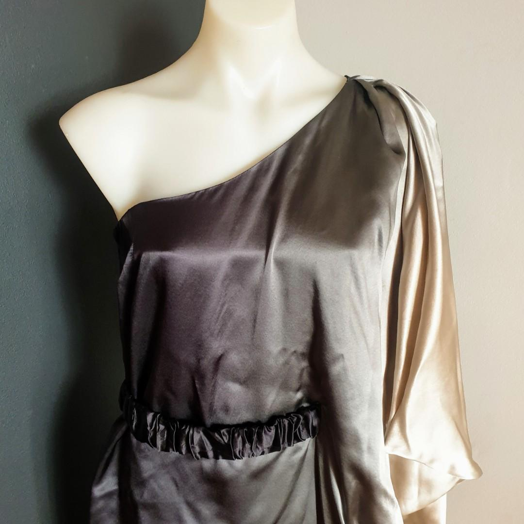 Women's size 10 'THURLEY' Stunning grecian style ombre one sleeve dress - AS NEW