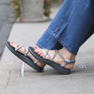 MZ:: 現貨 全新 TEVA Voya Infinity 羅馬織帶涼鞋 灰色