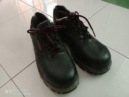 DeltaPlus Sefety Boots