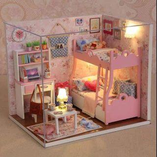 In stock Doll House