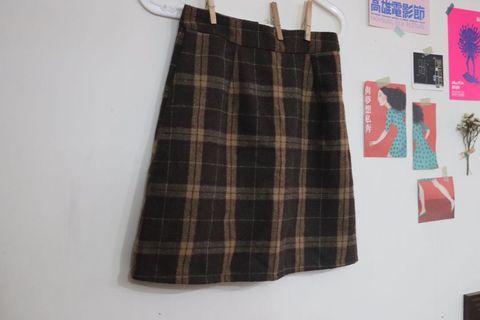 格紋裙-全新剪標