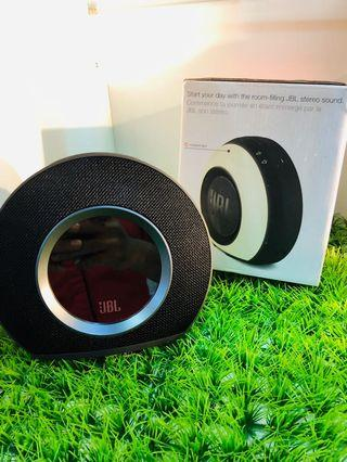 JBL Horizon Speaker Bluetooth Radio Clock