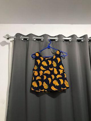 Banana crop top atasan navy sleeveless